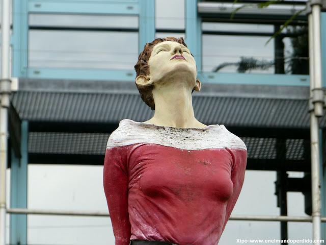 marlis-düsseldorf-esculturas.JPG
