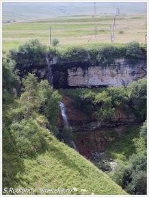 Водопад в селе Хунзах. Дагестан. Россия.