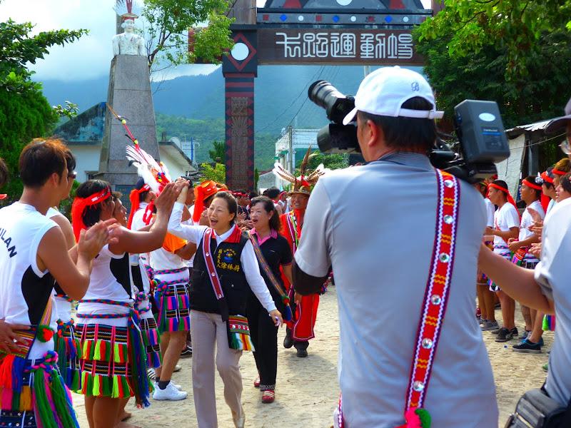 Hualien County. Liku lake. Danses Amis J 2 - liyu%2B2%2B439.JPG