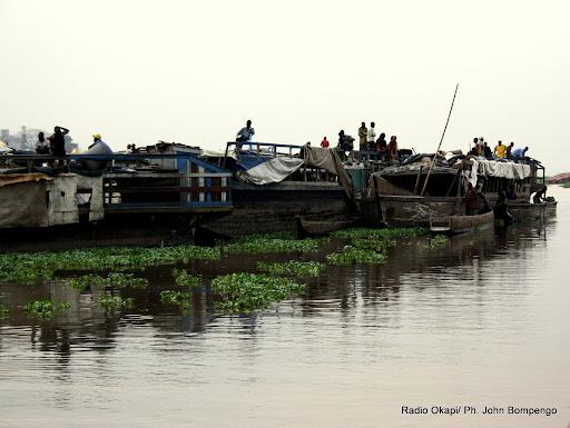 Naufrage au Congo: au moins 30 morts et des dizaines de disparus