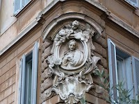Madonnelle: The Marian Shrines of the Streets of Rome