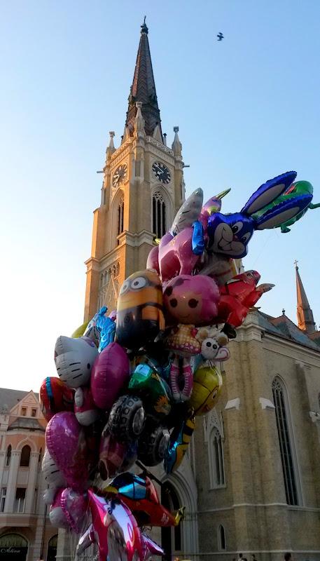 Kirchturm vs Ballontraube
