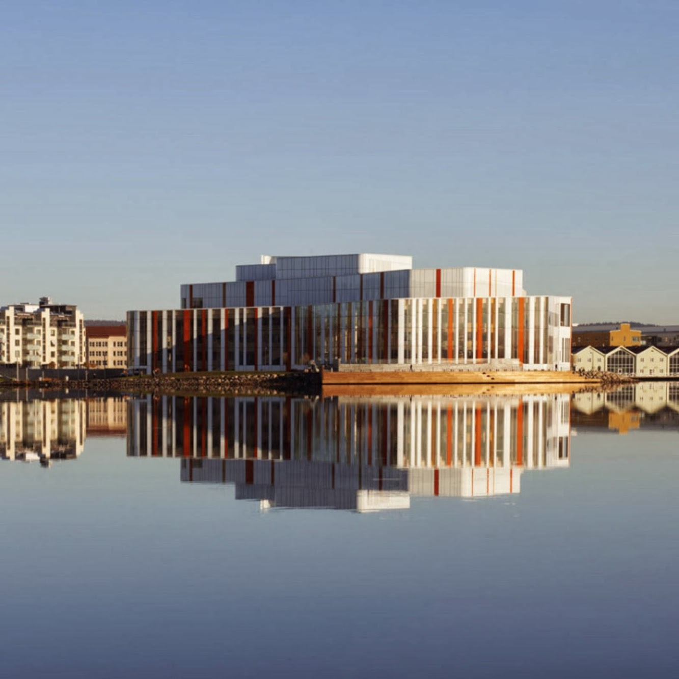 Jönköping, Svezia: Spira Performing Arts Center by Wingardh Arkitektkontor