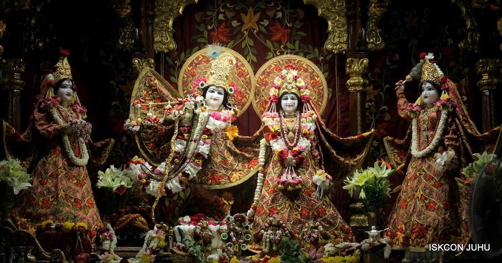 ISKCON Juhu Sringar Deity Darshan on 30th May 2016 (2)