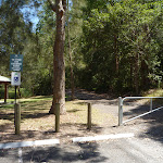 Locked gate in Richley Reserve in Blackbutt Reserve (401608)
