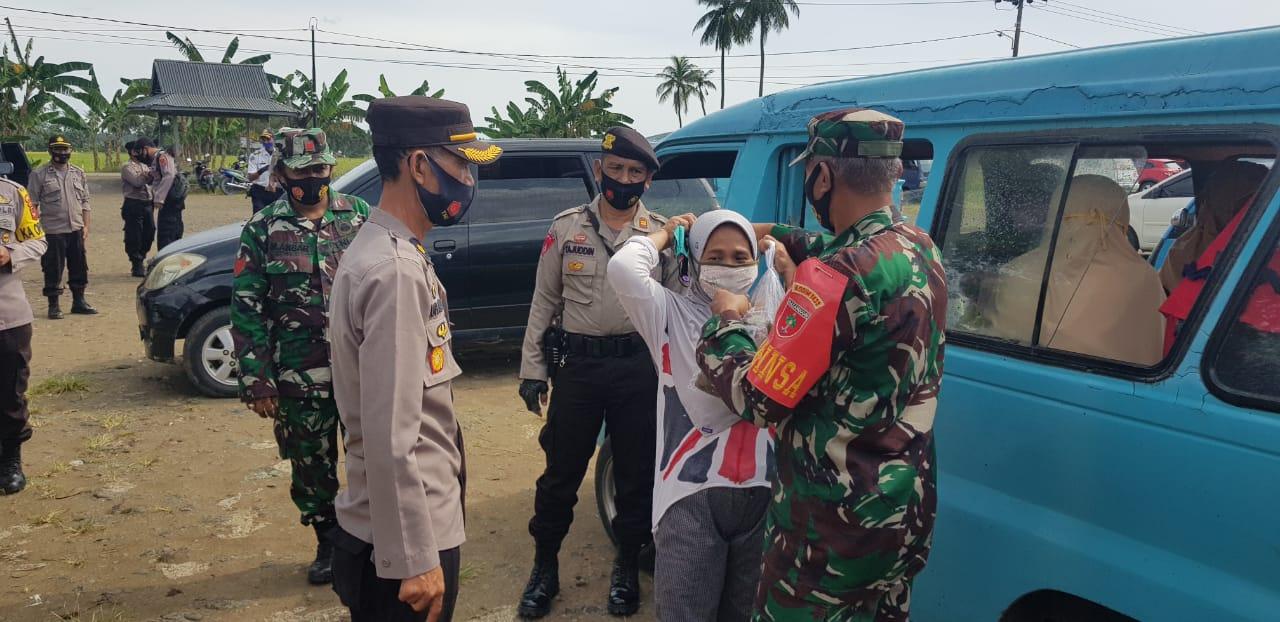Polres,TNI Kodim 1423, dan Pemkab Soppeng Giat Sosialisasi Cegah Penyebaran Covid19