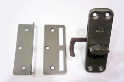 裝潢五金品名:ART-合室鉤鎖(鐵灰)規格:1寸2/1寸6型式:附鎖玖品五金