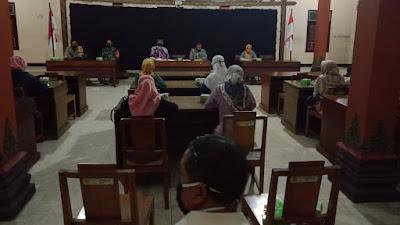 Babinsa Trimurti Menghadiri Musyawarah  Pembentukan Pengurus Pokdarwis Desa Trimurti