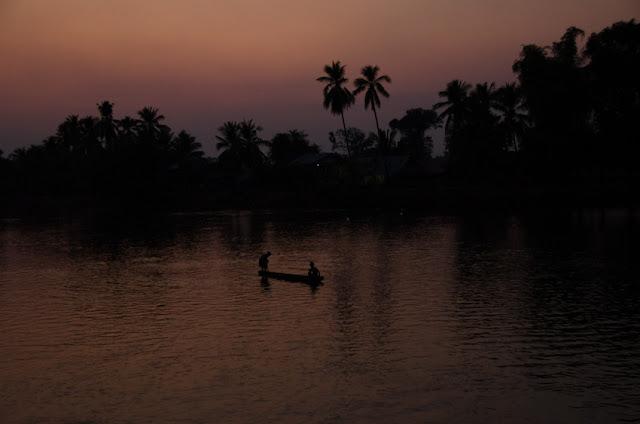 západ slnka pri Mekong