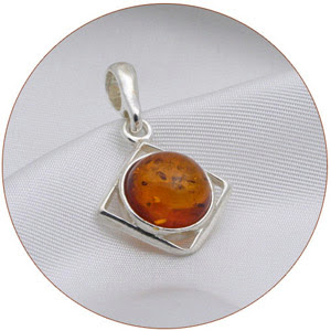 https://lh3.googleusercontent.com/-Ce1Uaej8eOo/R6zpsDVq22I/AAAAAAAAAC8/VE41t-LLv_0/s300/amber-jewelry-diamond-pendant.jpg