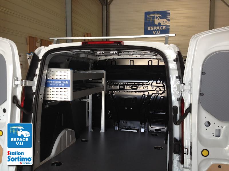 Berühmt Aménagement pour un Ford Transit Connect L1H1 utilitaire pour une  TY72