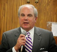 Photo: Mayor Warren Gooch