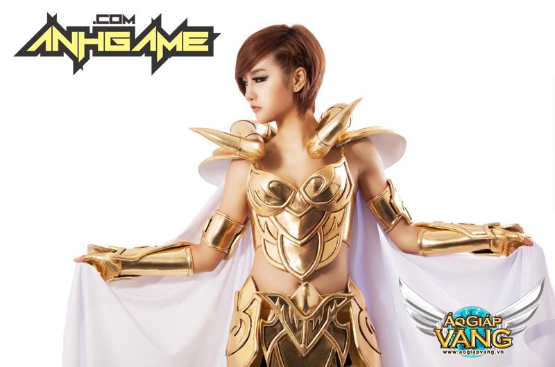 Cosplay Áo Giáp Vàng chất lừ của Quỳnh Nhi (Yuu) - Ảnh 1