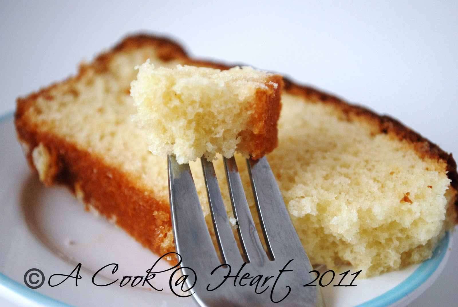 A Cook Heart A Simple Vanilla Cake Using Oil