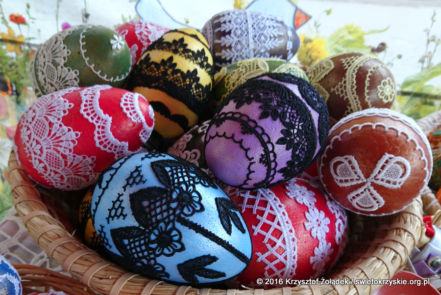 Wielkanocne ozdoby na kiermaszu
