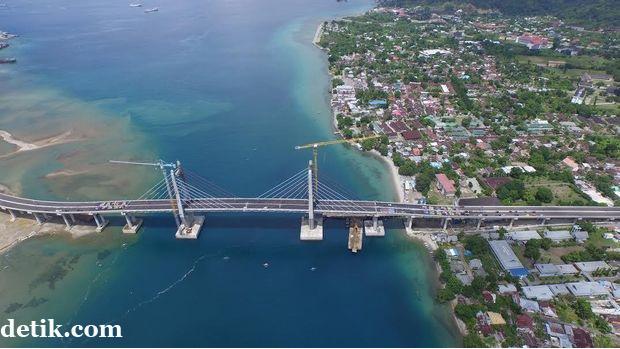 Jembatan Merah Putih Ambon 5.jpg