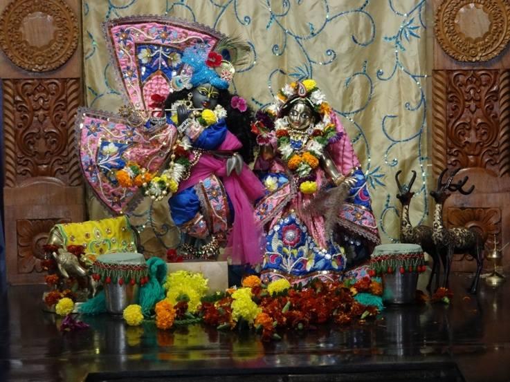 ISKCON Nigdi Deity Darshan 22 Jan 2016 (8)