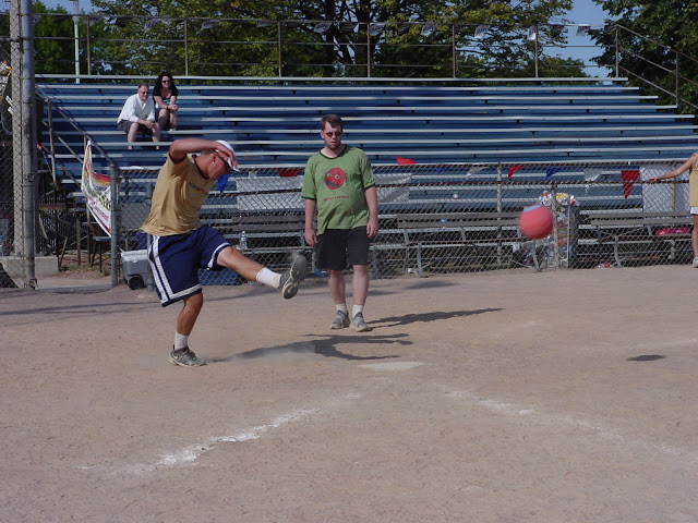 Kickball 24 Hour Game 2005 - DSC05959.JPG