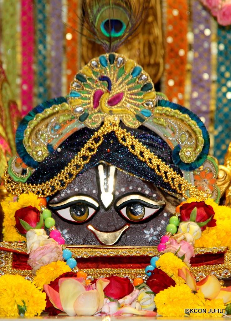 ISKCON Juhu Sringar Deity Darshan 09 Apr 16 (14)