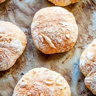 Express No-knead Bread Rolls.