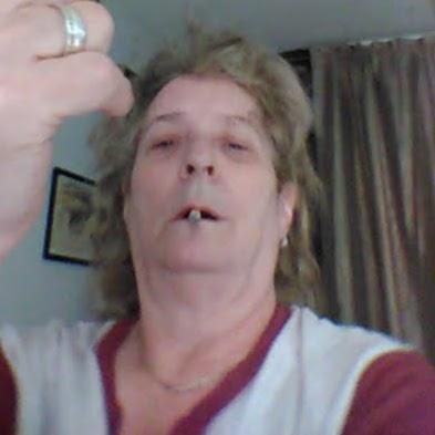 user Becky Schuda apkdeer profile image