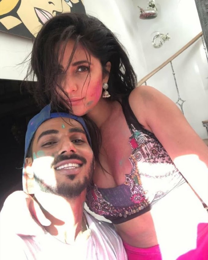 KATRINA KAIF PLAYED HOLI WAS ALL AABOUT COLORFUL FUN AND DANCE AT HOLI FEST