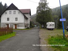 Na zdjeci wieś Bielice - początek szlaku na Kowadło i Rudawiec