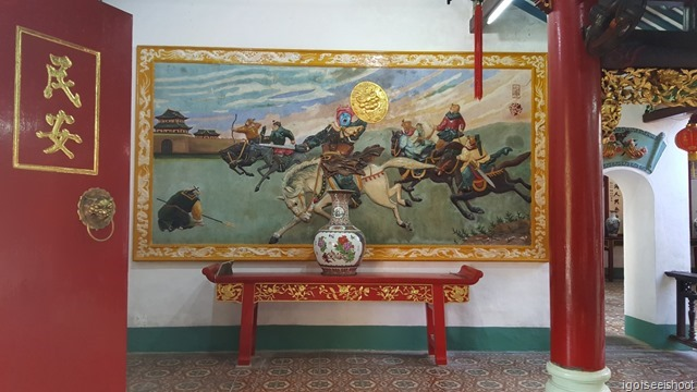 A wall painting depicting the scene of six  generals of the Ming Dynasty who came from Phuoc Kien Province, riding horses and leading to fight the Qing.