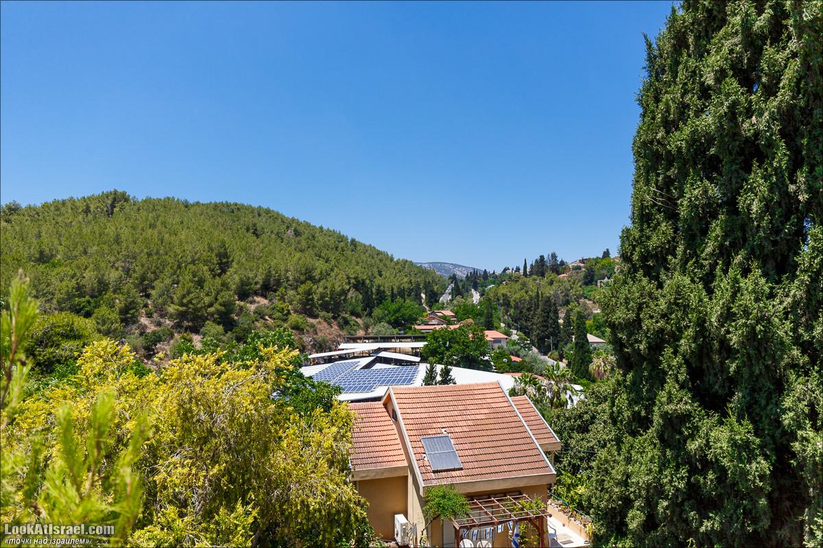 Серия рассказов о городах Израиля «Точки над i» - Посёлок Йокнеам   Points over Israel - Yokneam village   LookAtIsrael.com - Фото путешествия по Израилю