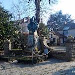 Grande Rue : monument aux morts Le Gaulois