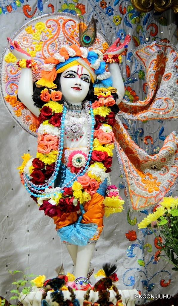 ISKCON Juhu Sringar Deity Darshan on 11th Aug 2016 (1)