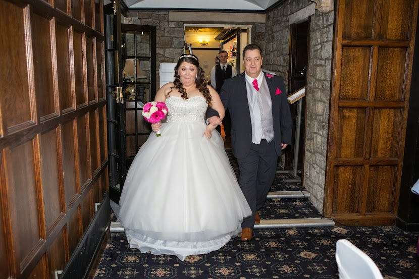 bride-and-father-walking-down-the-aisle