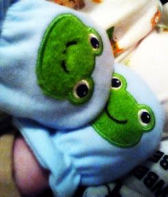 Froggie Mittens!