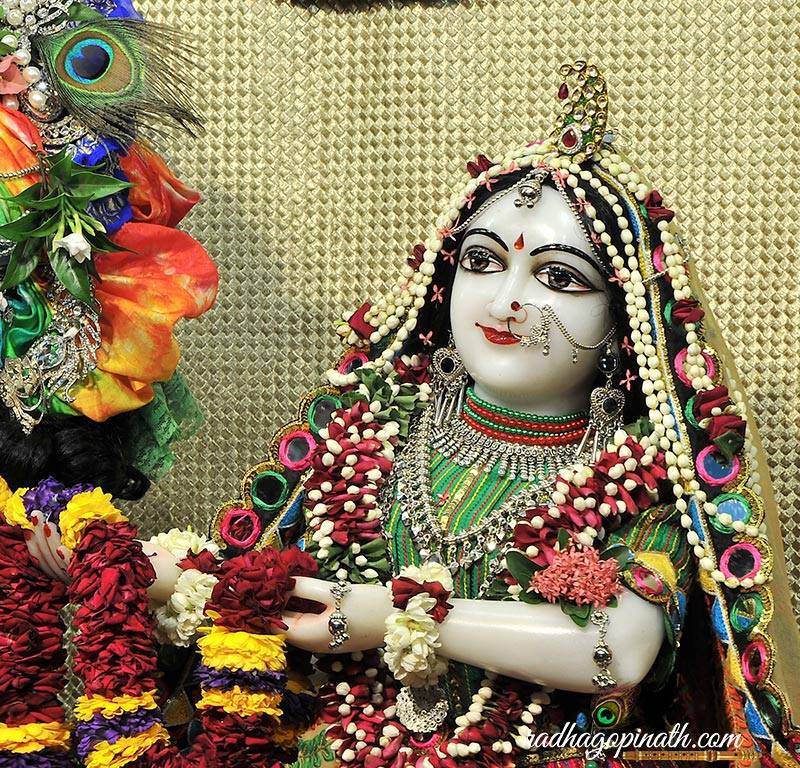 ISKCON Chowpatty Deity Darshan 31 August  2016 (19)