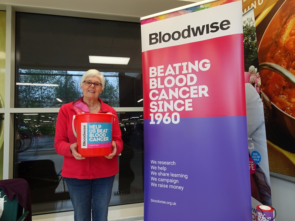 [Bloodwise+volunteer+Fiona+Crompton++collects+at+Tesco+Extra+Crewe%5B3%5D]