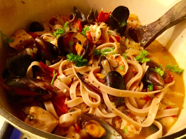 Seafood pasta withe mussels, prawns and tuna