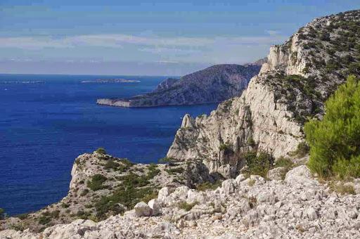 Belvédère d'En-Vau, vers l'archipel de Riou et le cap Morgiou