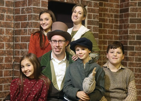 Cratchit Family 2018