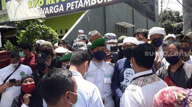 Penyidik Polda Dihadang Laskar FPI di Rumah Habib Rizieq, FPI Minta Maaf