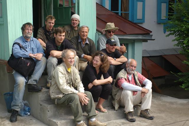 À l'hôtel de Karakol, avant le départ pour Kara Say (9 juillet 2006). Photo : J.-M. Gayman