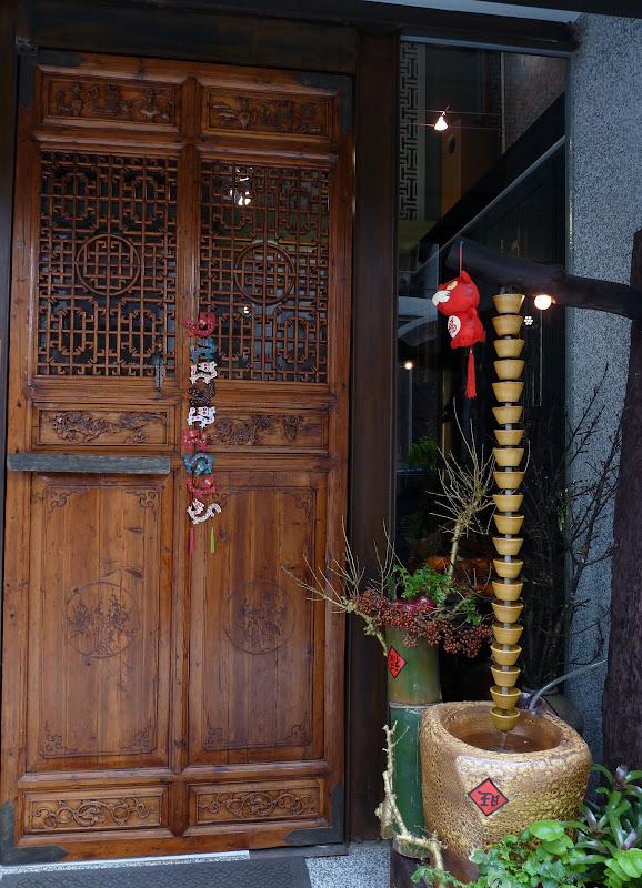 TAIWAN . Taipei De Shandao Temple jusqu à T 101 à pied... - P1160316.JPG
