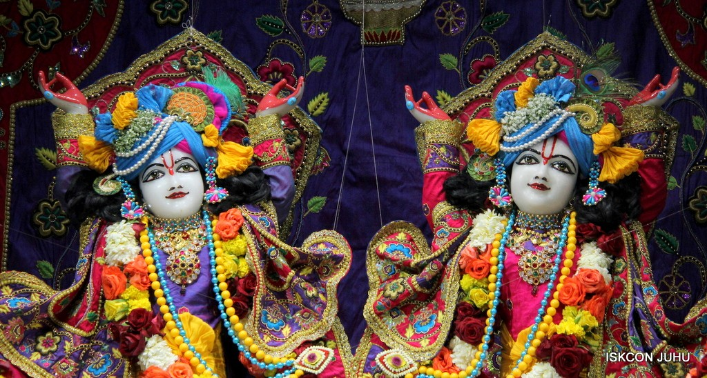 ISKCON Juhu Sringar Deity Darshan 20 Jan 2017 (34)