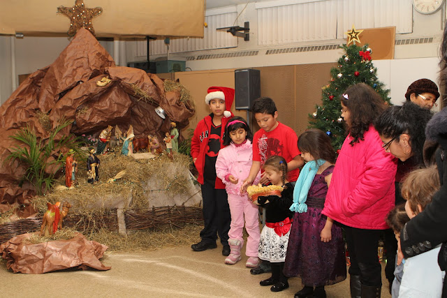 OLOS Navidad 2010 con Amigos Migrantes - IMG_9816.JPG