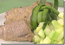 Bocconcini di scamone e prosciutto con tortino vegetale