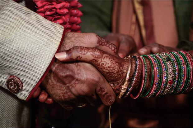 Bride marries wedding guest after groom goes missing