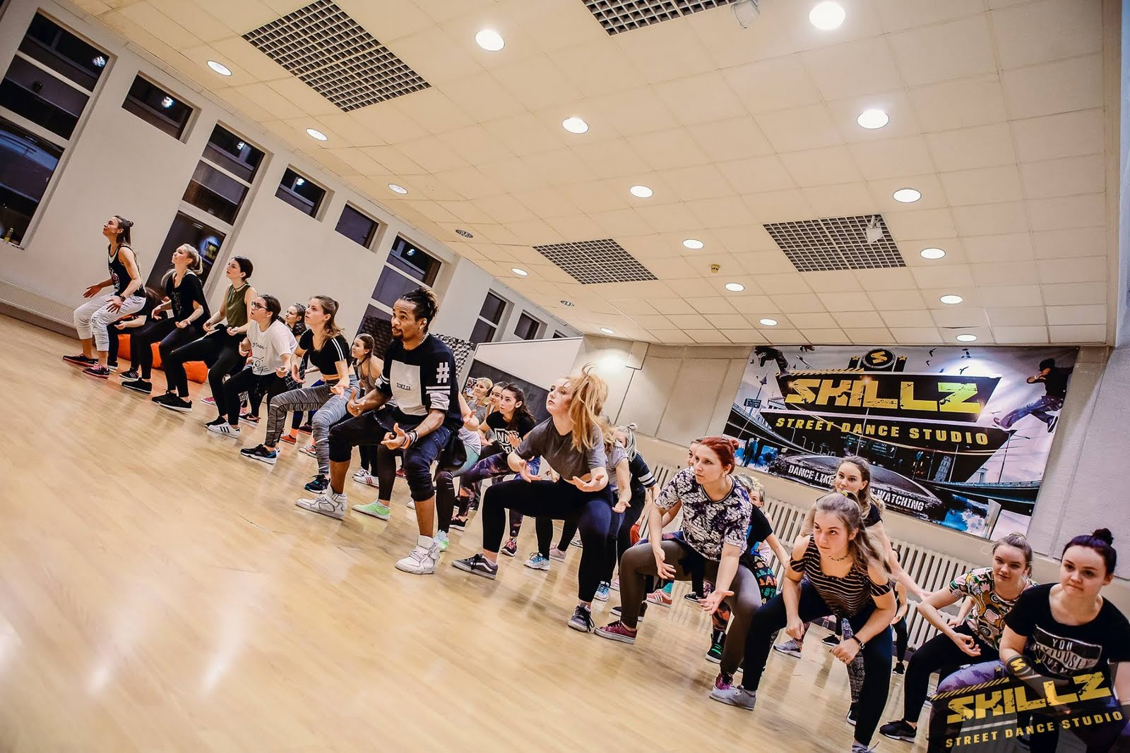 Dancehall workshop with Jiggy (France) - 9.jpg