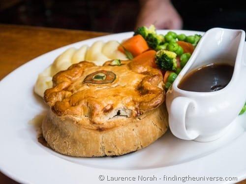 Steak pie and gravy UK