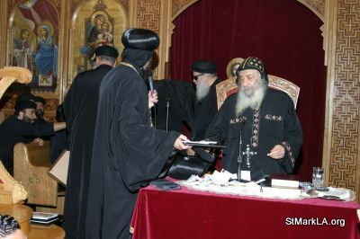 Pope Shenouda visit to St Mark - 2005 - pope_shenouda_at_st_mark_26_20090524_2072503085.jpg