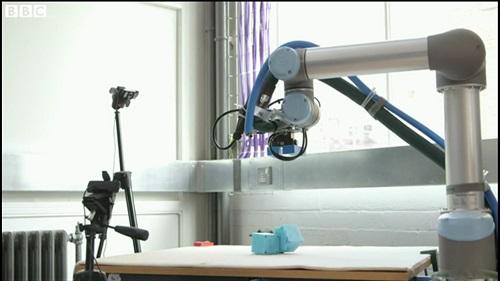 Robot co kha nang tu tien hoa nhu nguoi  anh 2