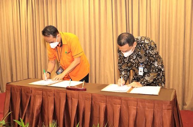 Sinergi Bank Kalsel Dengan Pos Indonesia, Permudah Nasabah Bayar berbagai Tagihan